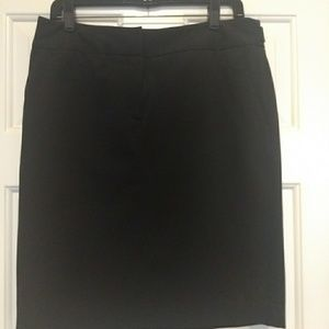 Black under knee pencil skirt